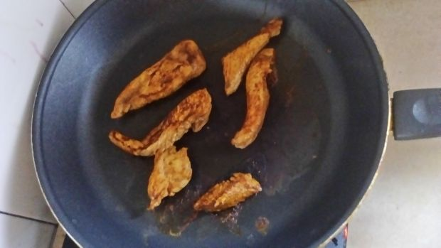 Pszenno-razowe tortille z kurczakiem i warzywami