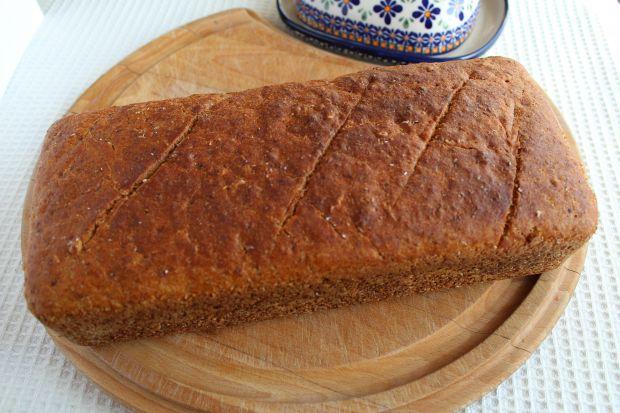 Pszenny chleb na zakwasie z płatkami orkiszowymi