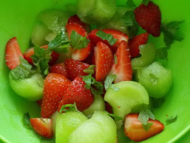Puchar melonowo-truskawkowy dla dorosłych
