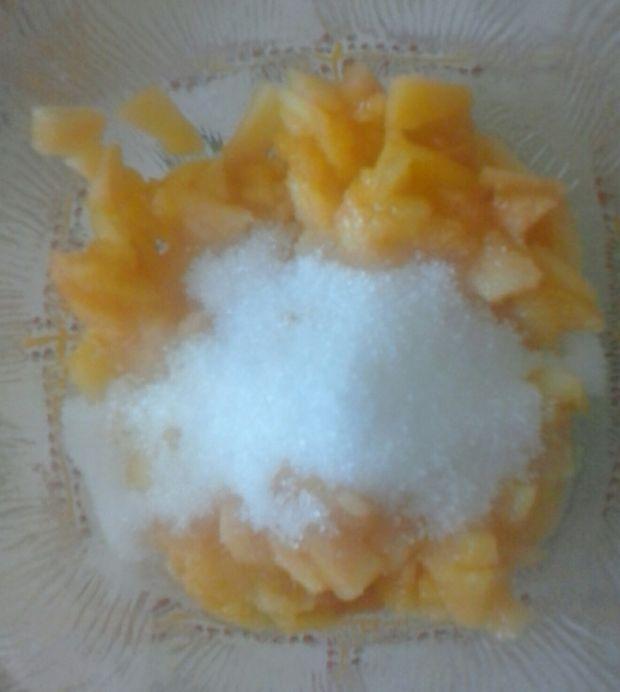 Pudding chia z brzoskwiniami