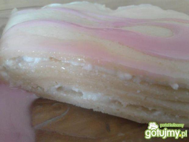Pulchne naleśniki z białym serem