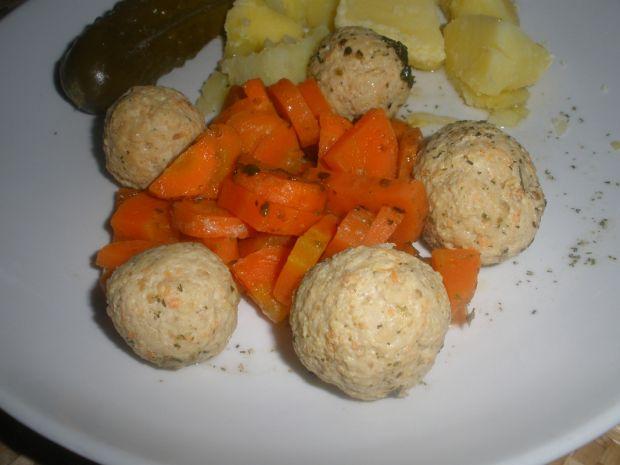 Pulpeciki drobiowe z marchewką