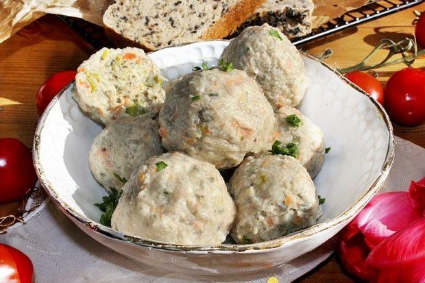 Pulpeciki z indyka z komosą ryżową i pestkami dyni
