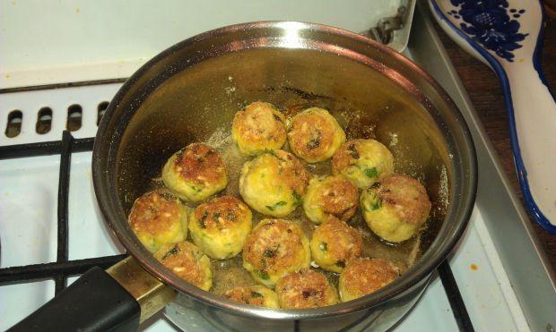 Pulpeciki z kurczaka w soise pomidorowo-curry