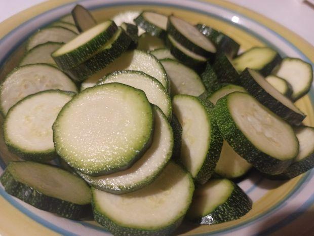 Pulpeciki z warzywami w dyniowym sosie