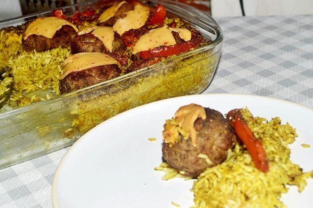 Pulpeciki zapiekane z ryżem i papryką