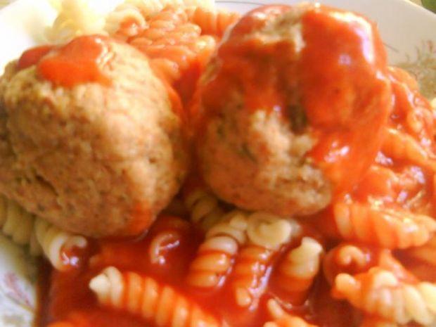 Pulpety drobiowe w sosie pomidorowym