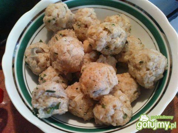 Pulpety mięsno-ryżowe do rosołu