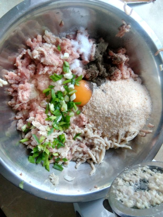 Pulpety w kremowym sosie grzybowym