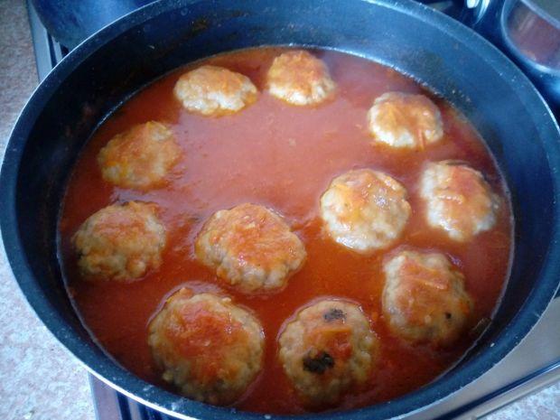Pulpety w sosie warzywnym na pomidorowo