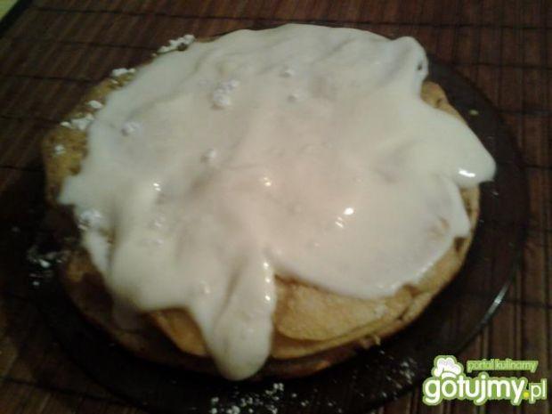 Puszyste pancakesy z bitą śmietaną