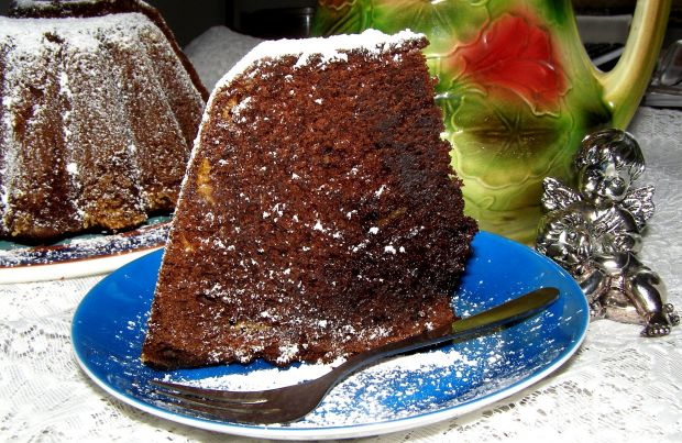 Pyszna babka kakaowa z chałwą