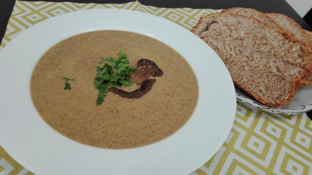 Pyszna zupa-krem z suszonych grzybów