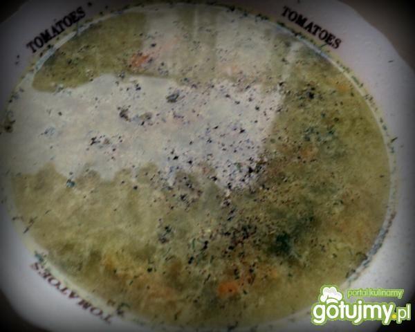 Pyszna zupa ogórkowa.