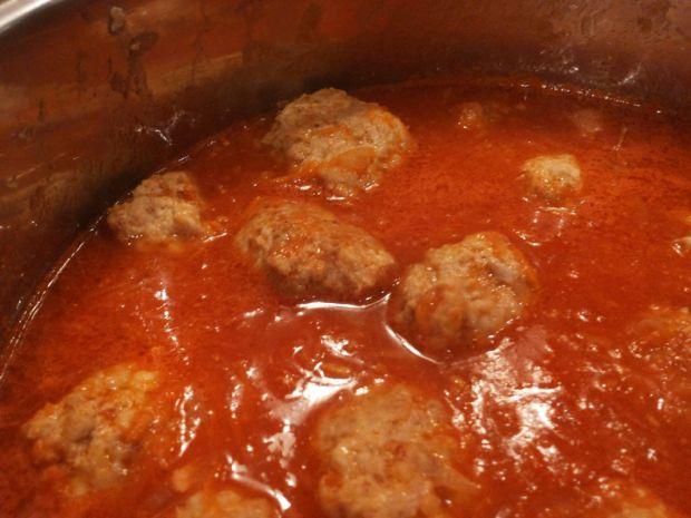 Pyszne pulpeciki w sosie pomidorowym