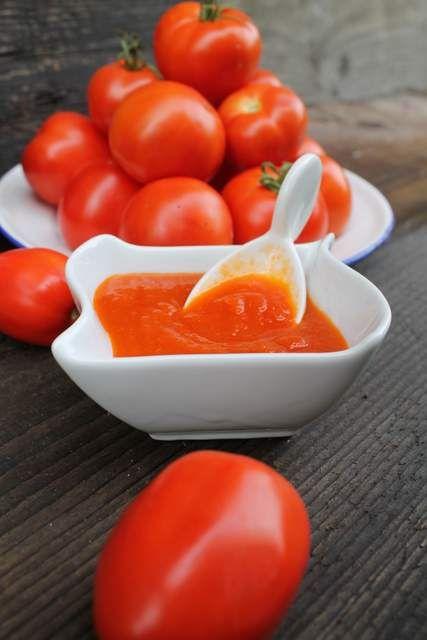 Pyszny domowy ketchup