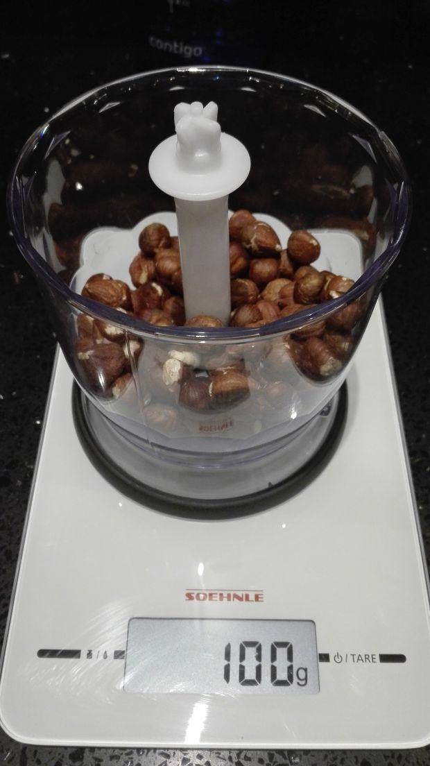Pyszny gruszkowiec z kawałkami czekolady