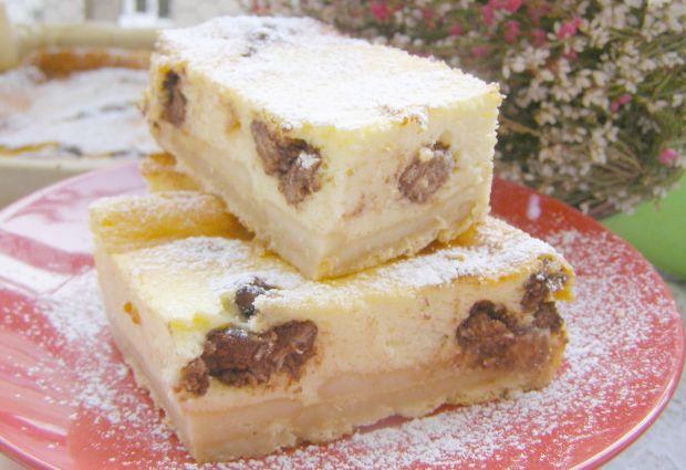 Pyszny sernik pieczony z kulkami w czekoladzie