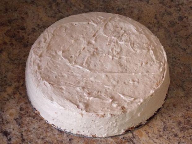 Pyszny tort chałwowy