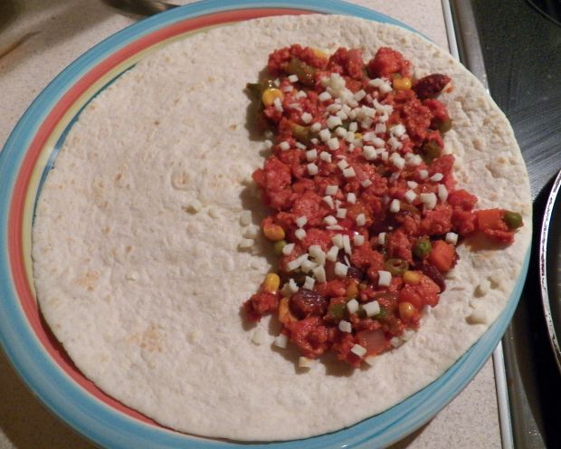 Qesadilla z indykiem i warzywami