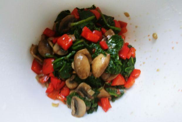 Quiche warzywno-pieczarkowy