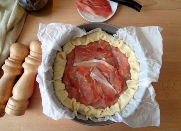 Quiche z mięsem i grzybami