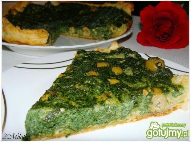 Quiche ze szpinakiem i oliwkami