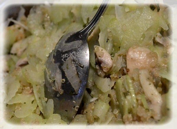 Quinoa z selerem i kozim serem