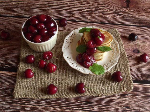 Racuszki z czereśniową frużeliną
