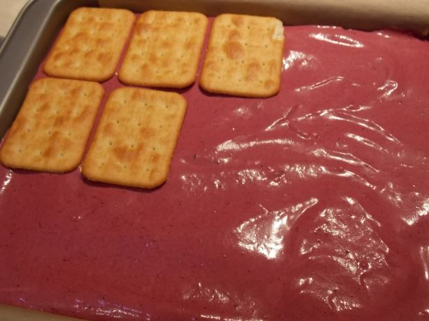 Rafaello na krakersach z jeżynami