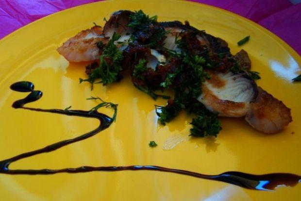 Rekin w sosie koperkowo- pietruszkowym