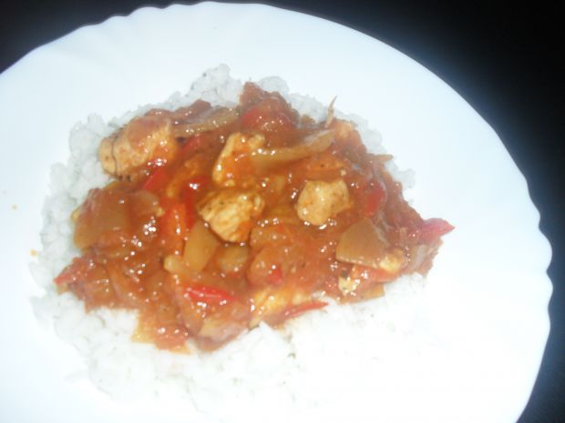 Ryż z warzywami w sosie słodko kwaśnym