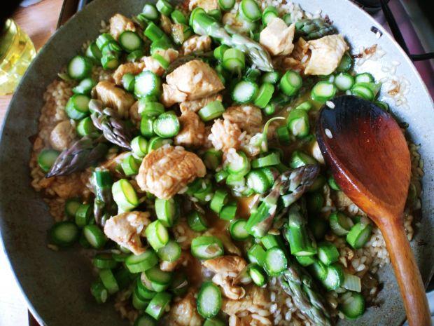 Risotto ze szparagami i kurczakiem