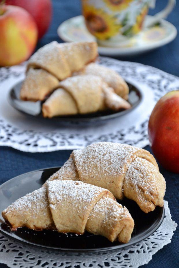 Rogaliki pół razowe z jabłkami