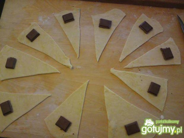 Rogaliki z czekoladą.