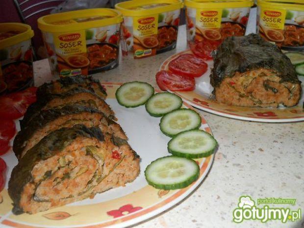 Rolada mięsna zawijana w sałacie lodowej