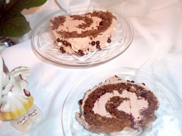 Rolada orzechowa z kremem czekoladowym