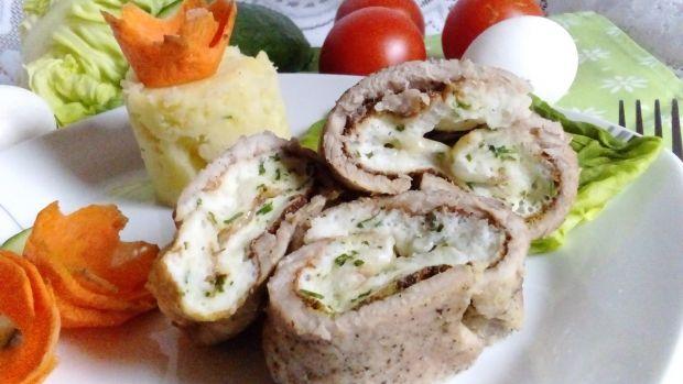 Rolada schabowa z białym omletem i mozzarellą