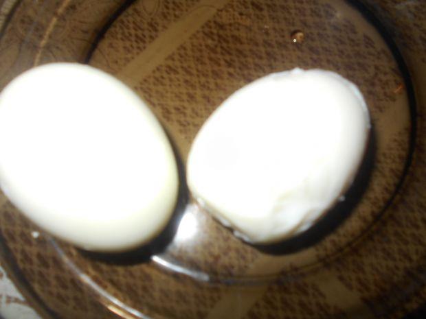 Rolada serowa z pieczarkami i jajkami