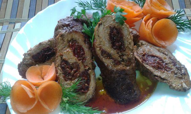 Rolada wieprzowa z pesto oraz suszonymi pomidorami