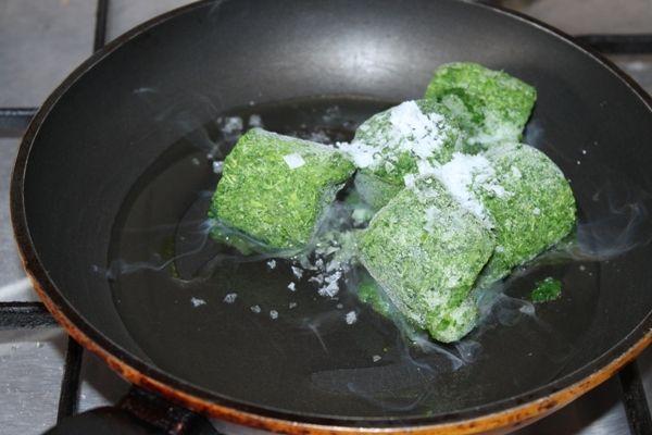 Rolada z piersi faszerowana szpinakiem i serem
