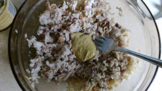 Rolada ze szpinakiem ryżem i makrelą