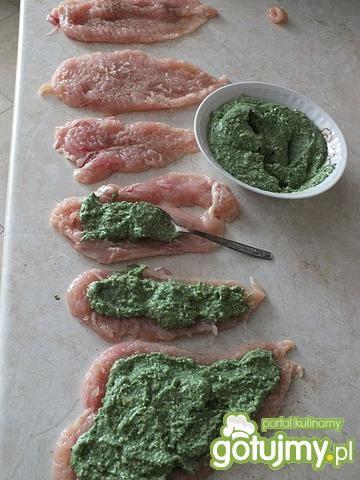 Roladki drobiowe z zieloną kaszą manną