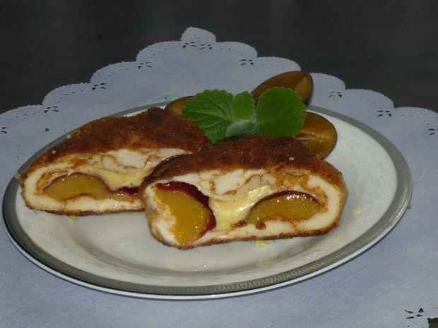 Roladki drobiowe ze śliwkami i serem