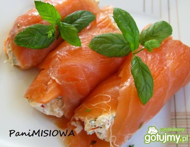 Roladki łososiowe z białym serem