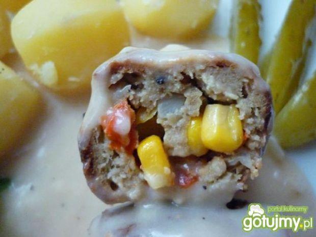 Roladki mielone z kukurydzą i papryką