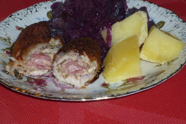Roladki schabowe z boczkiem i serem