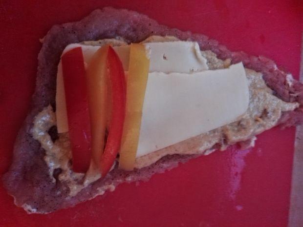 Roladki schabowe z papryką, serem i szynką
