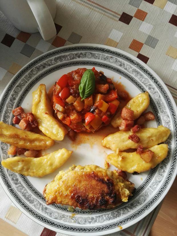 Roladki z ananasem, z kopytkami i ratatouille