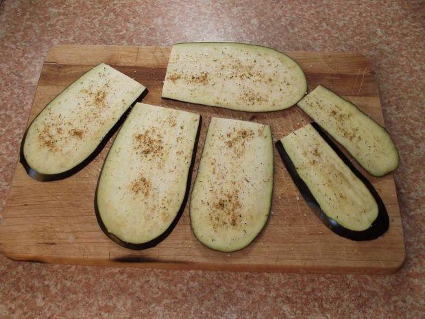 Roladki z bakłażana nadziane warzywami i polędwicą